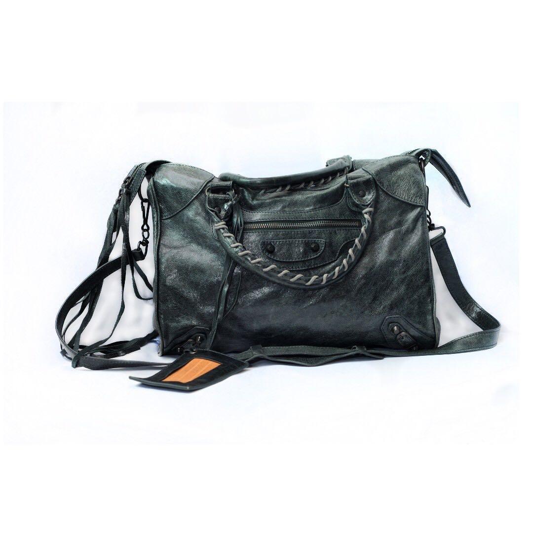 da83b6e4fd Auth BALENCIAGA Paris, Women's Fashion, Bags & Wallets on Carousell