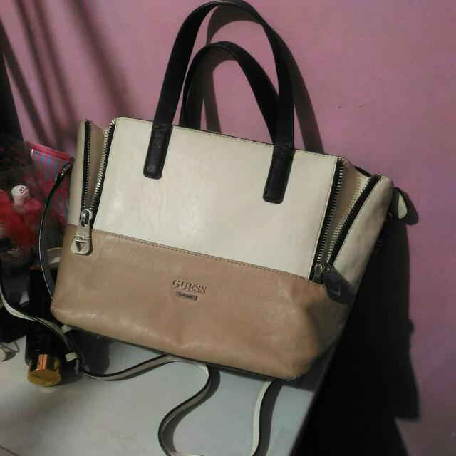 Auth. GUESS BAG