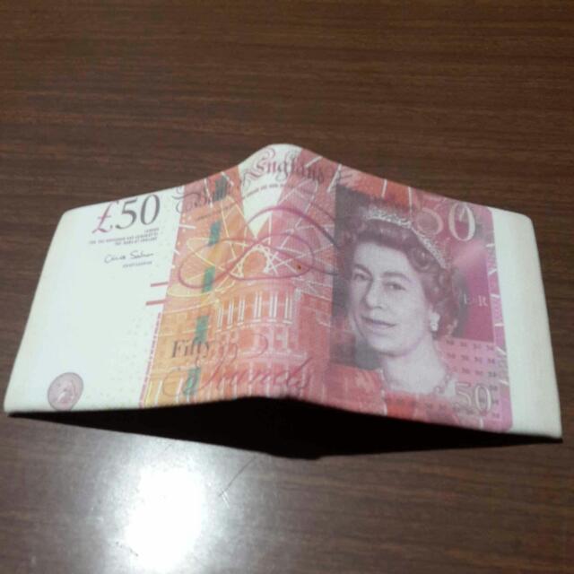 bifold wallet for men or women
