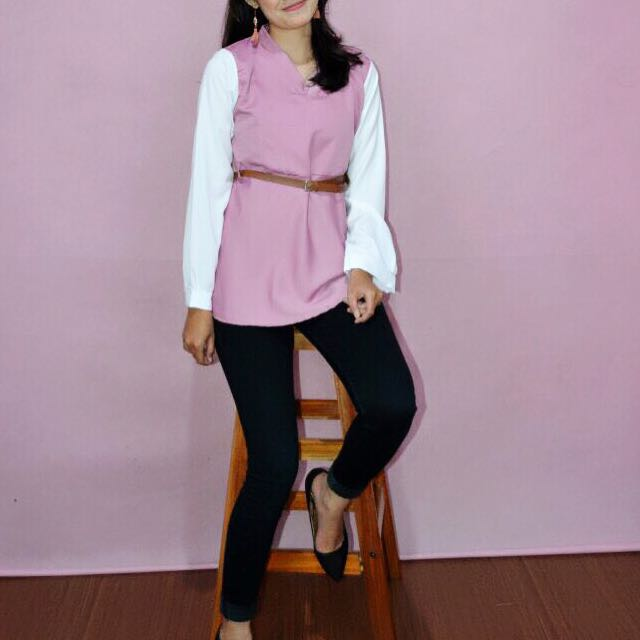 Blouse pink with belt