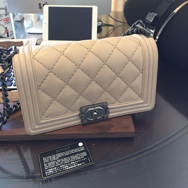 cb85a5db874721 Boy Chanel Medium Beige Calf Skin, Luxury on Carousell
