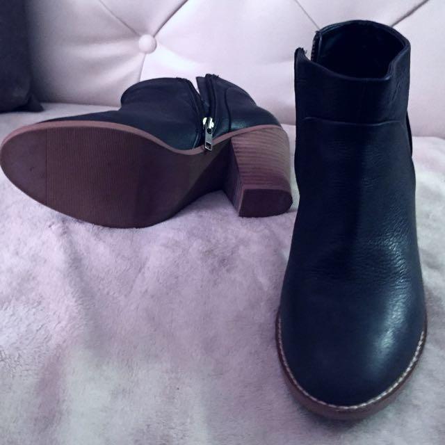 Chelsea Ankle Boots (Joe Fresh)