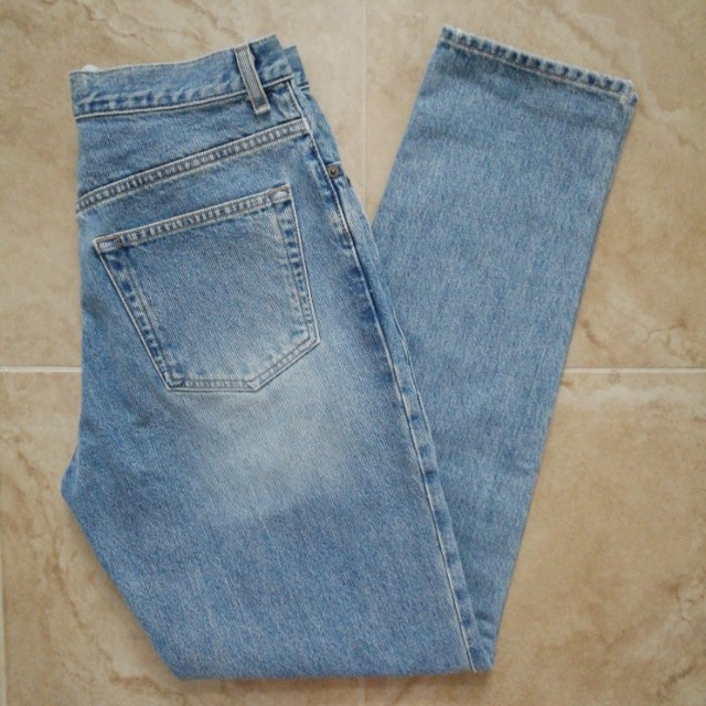 CLASSIC GAP HIGH-RISE LIGHT WASH DENIM MOM JEANS SIZE 30""