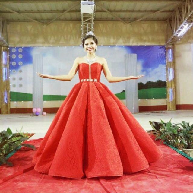 Elegant RED BALL GOWN FOR RENT, Preloved Women\'s Fashion, Clothes on ...