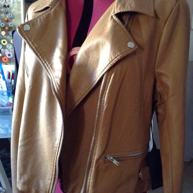 Excellent condition F21 leather jacket