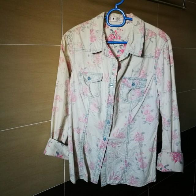 Flowery Shirt Aussie