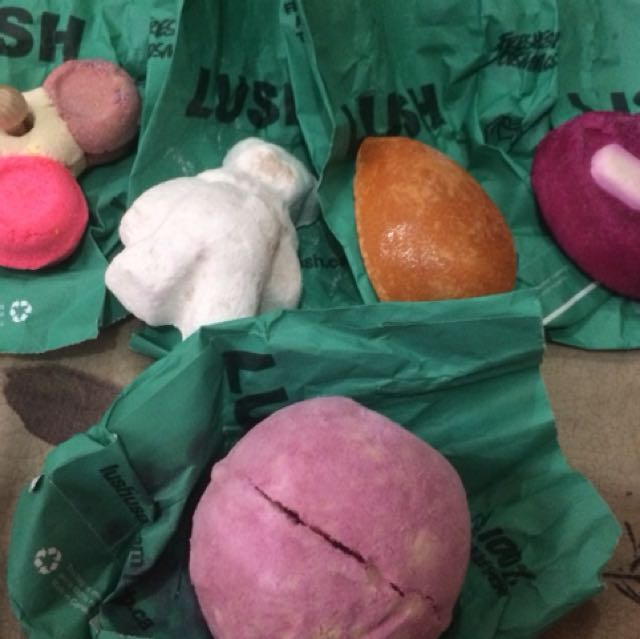 LUSH Bath Bombs all new from 🇨🇦