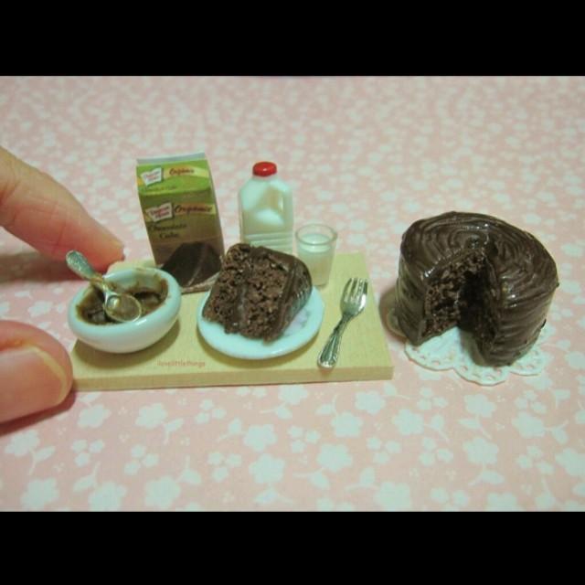 Miniature Chocolate Cake Baking