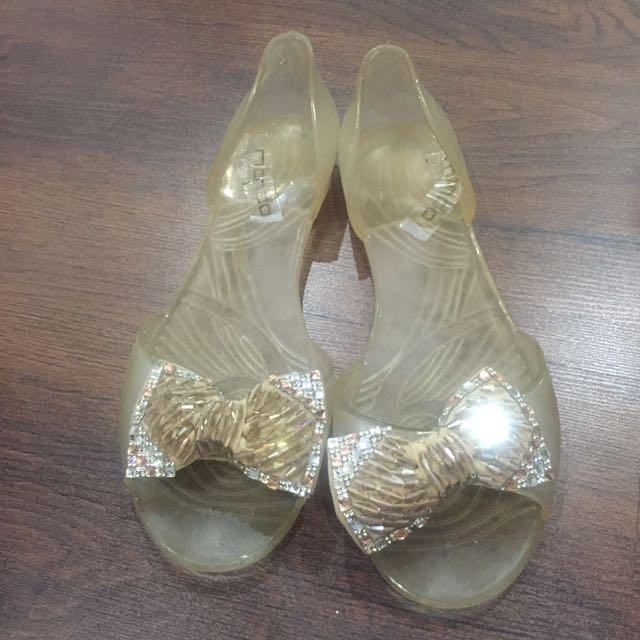 Mondo jelly shoes