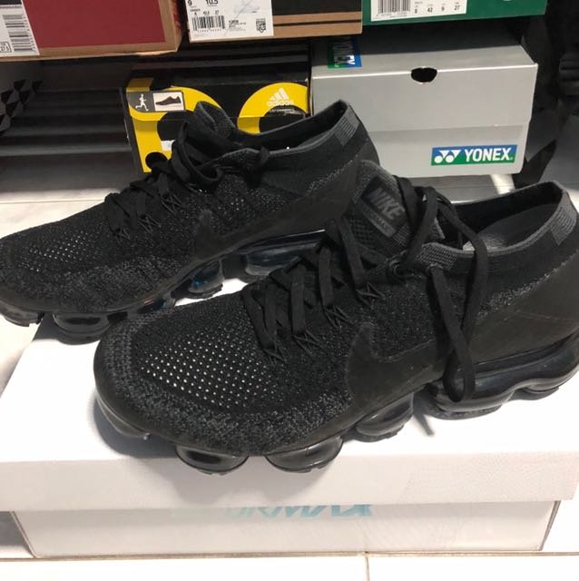 52d676b726da5 Nike air vapormax triple black 1.0