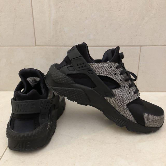 Nike Women's Huarache Shoes