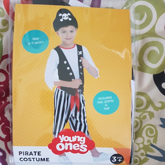 Pirate costume size 6-9 years