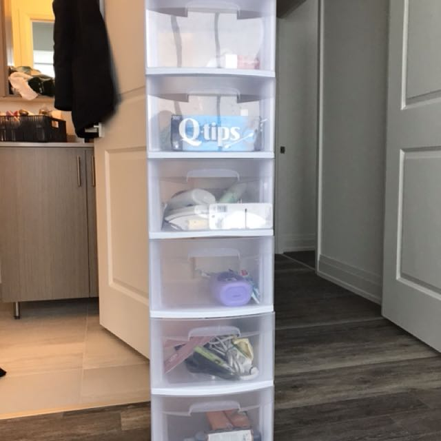 Plastic 6-drawer container/bin