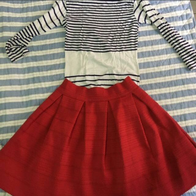 Red skater skirt with stretchy casual dress (pair but can be sold separately)