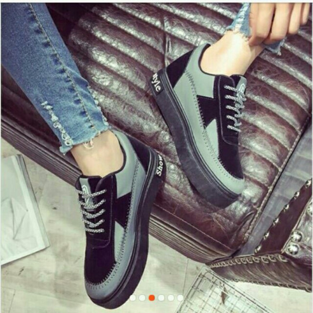 Rubber shoes (thick sole)