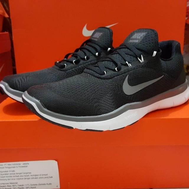 Sepatu Nike Free Trainer V7 size 40