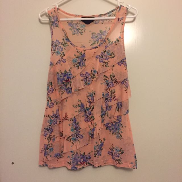 Singlet with floral pattern