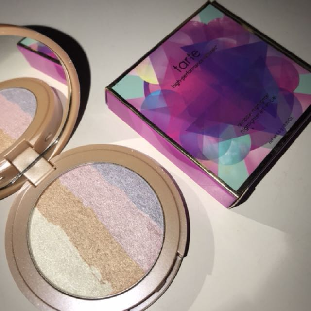 spellbound rainbow highlighter | tarte