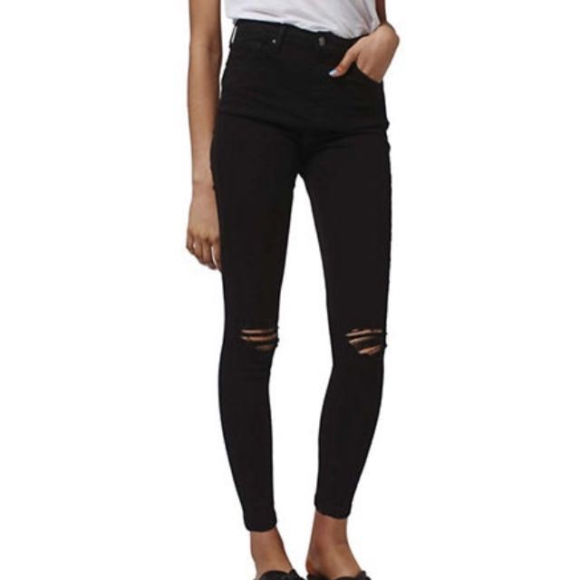 TopShop Black Ripped at the knees JAMIE JEANS (high waisted)