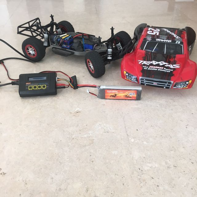 Traxxas Slash 4x4 Brushless Edition 1/10 Scale Red/black
