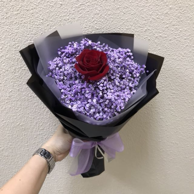 Valentine's Day Bouquet single Rose With purple Baby Breath