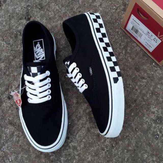 80a07a49c3 VANS AUTHENTIC (CHECKERBOARD) BLACK WHITE