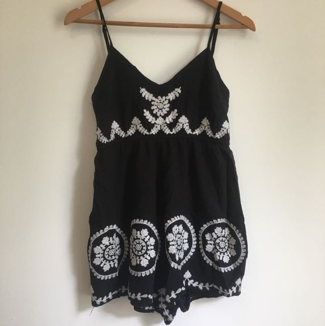 White embroider black play shy