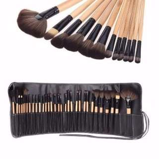 Brand new inspired Bobbi brown 32 brush set