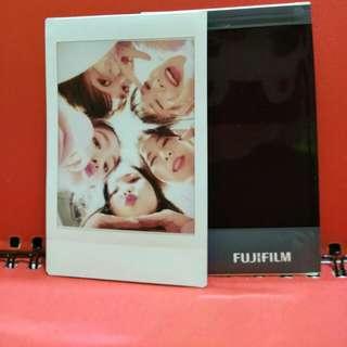 Red Velvet Polaroid