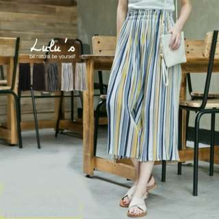 🚚 Lulu's坑條鬆緊壓皺寬褲👏  材質超舒服