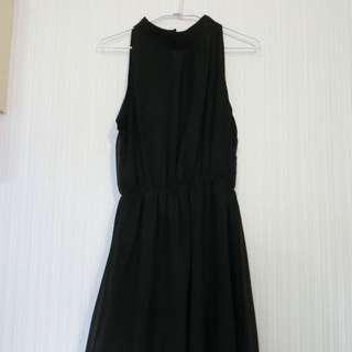 圓領黑色雪紡飄逸洋裝