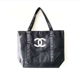 Chanel tote with CC logo
