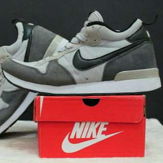 NIKE INTERNASIONAL HIGH QUALITY