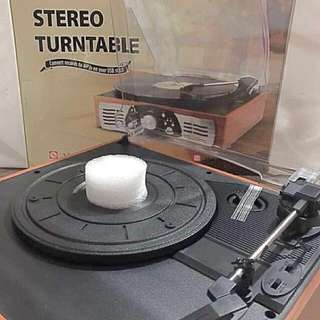 Belt Drive 3 Speed Stereo Turntable