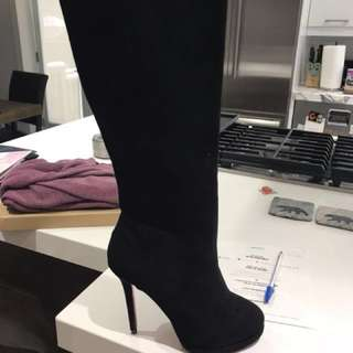 Replica louboutin suede boots