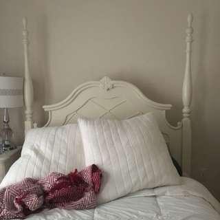 Girls bedroom bedframe