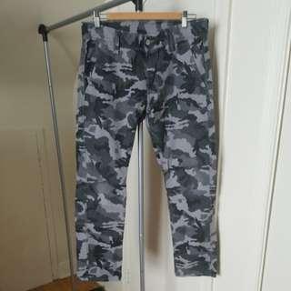 LEVI'S Camo Pants