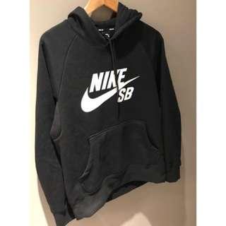 Nike SB 黑色帽T