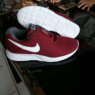 Nike go