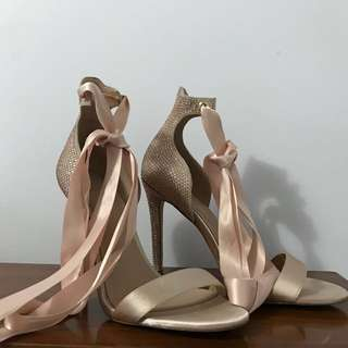 Aldo Ribbon Heels