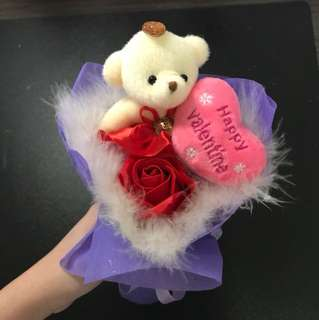 Valentine's flower with bear