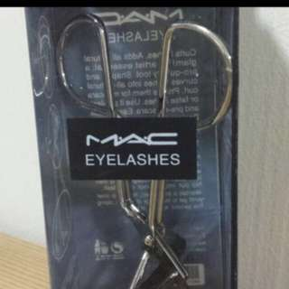 BN IN BOX, ORIGINAL MAC EYELASH CURLER