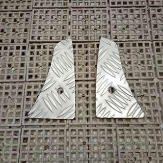 Metal footplates for Gilera