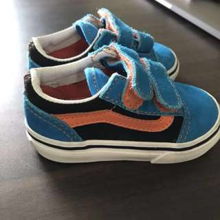 Brand New Vans Suede boys Baby shoes size 4.0 (21)