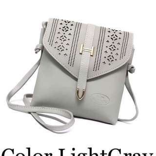 Coach sling bag size : 8 inches