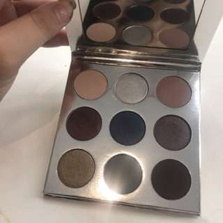 Kylie cosmetics holiday pallet
