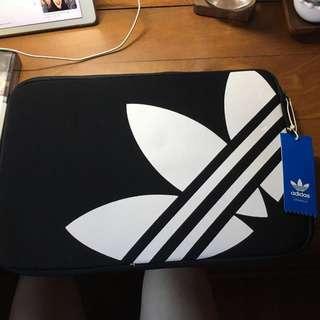 Brand new & authentic - adidas originals laptop case