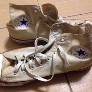 original Chuck Taylor Converse pre loved