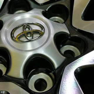 Toyota Fortuner VRZ 2.4 Original Alloy Wheels