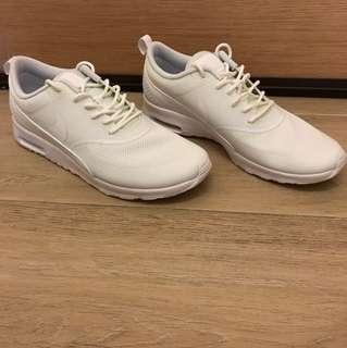 Nike 全新波鞋